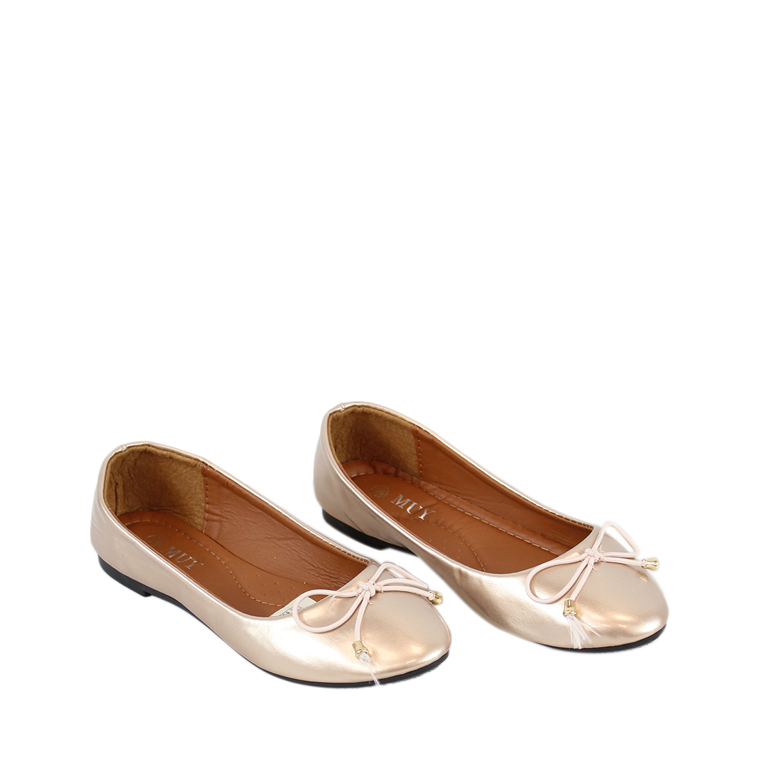 Flat plain shiny ballerinas with bow