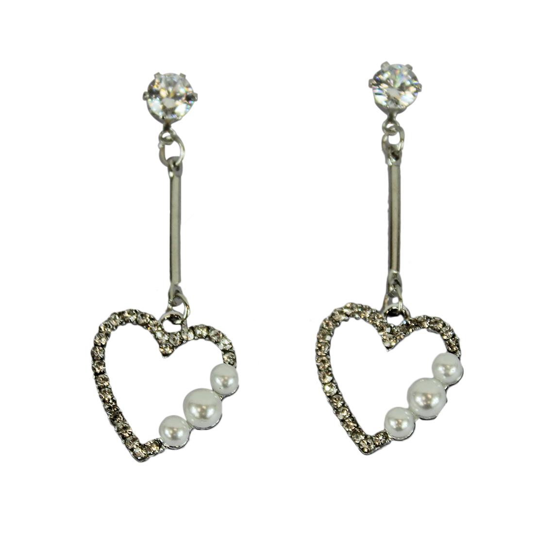 Star deisgn with small pearls & diamonds